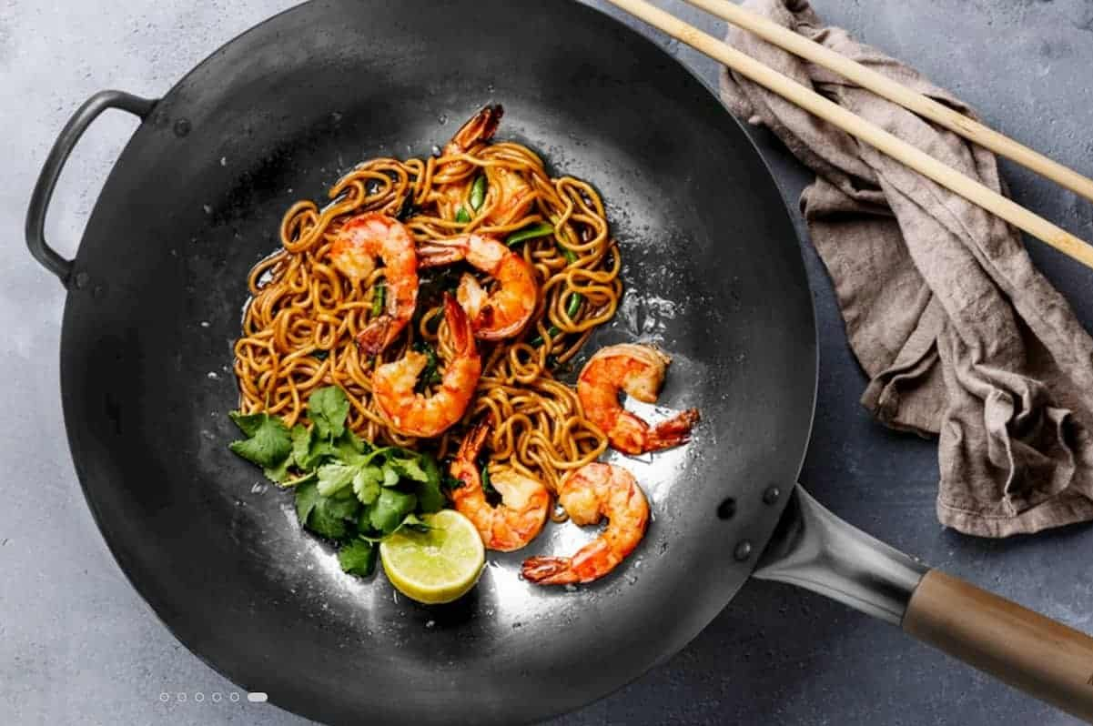 Three Reasons to Use a Wok Instead of a Frying Pan