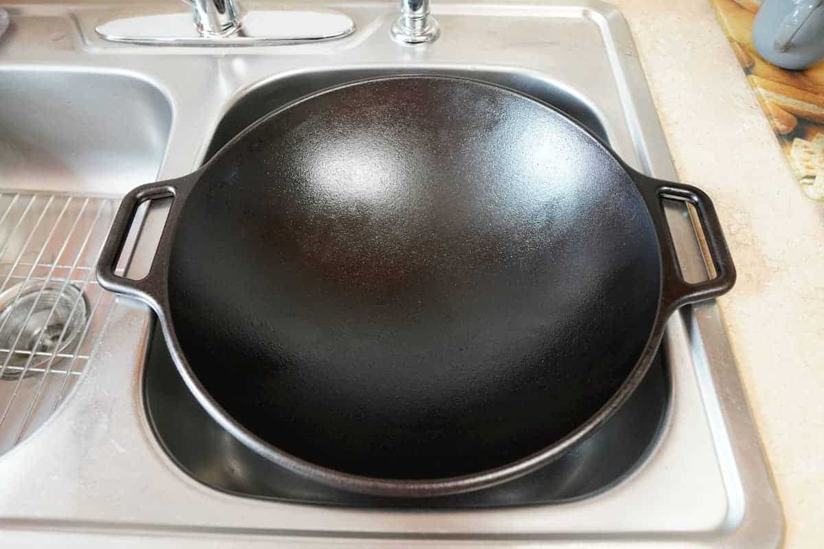 How to Clean a Cast Iron Wok
